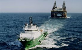 Gallery VESSELS 2 050930_towing_thialf